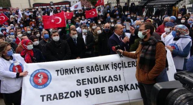 Kırmızı Alarmın Verildiği Trabzon'da Sağlık Çalışanları Sosyal Mesafeyi Hiçe Saydı