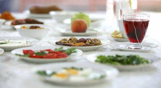 Bayramda yeme düzeni değişikliğine dikkat