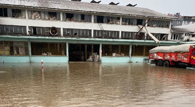 Artvin'de Dereler Taştı ÇAYKUR'un 3 Fabrikası Sular Altında Kaldı